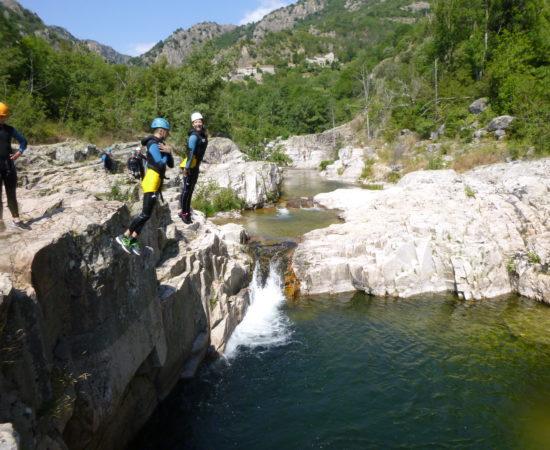 Bien pratiquer le canyoning en famille