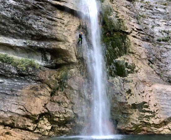 Zoom sur la partie haute du canyon des Ecouges