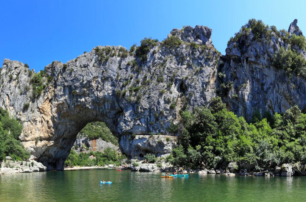 Descente de l'Ardèche en Canoë depuis Vallon Pont d'Arc